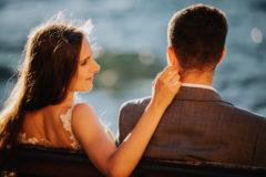 nowożeńcy na sesji ślubnej