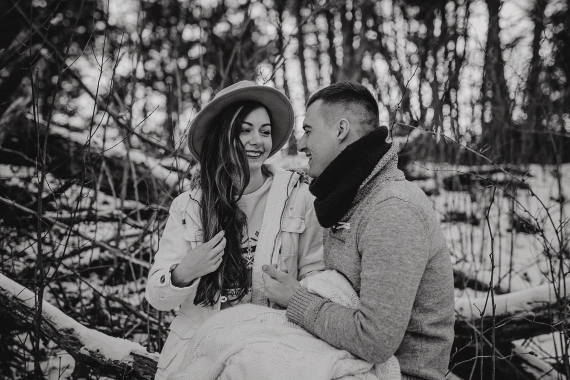 Zimowa sesja narzeczeńska Doroty i Macieja 6