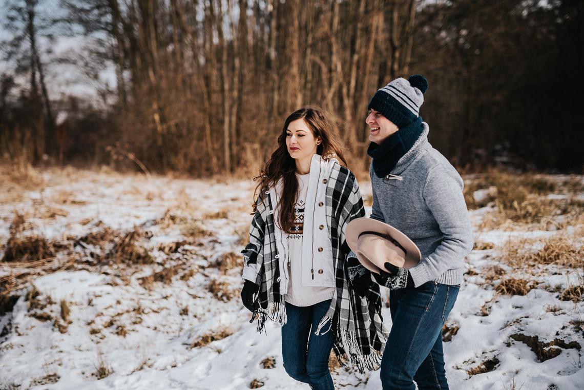 Zimowa sesja narzeczeńska Doroty i Macieja 12