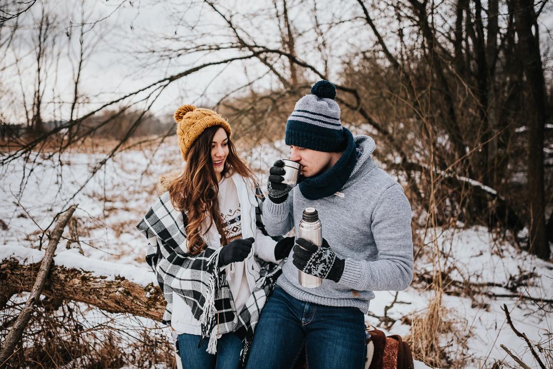Zimowa sesja narzeczeńska Doroty i Macieja 14