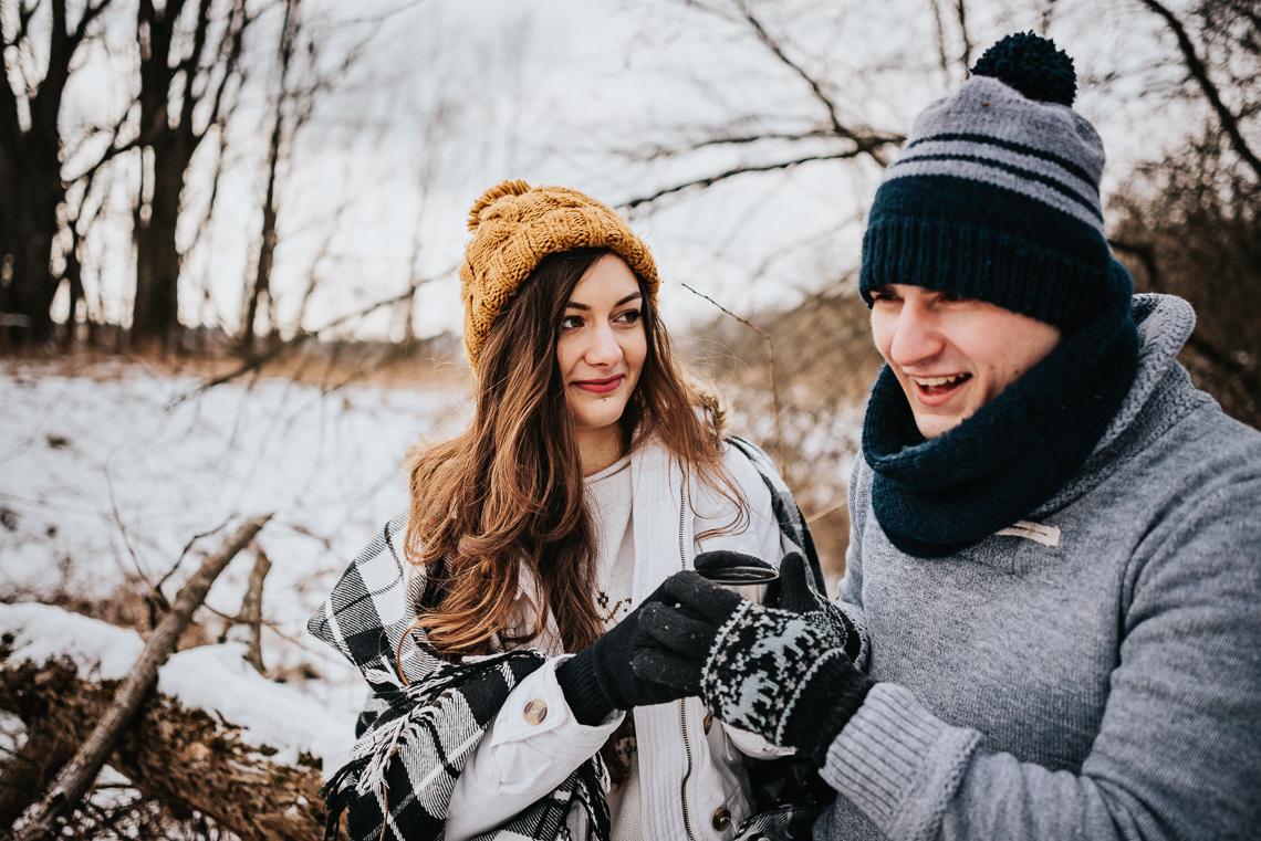 Zimowa sesja narzeczeńska Doroty i Macieja 15