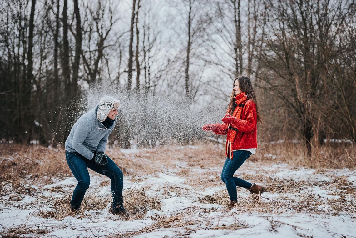 Zimowa sesja narzeczeńska Doroty i Macieja 23