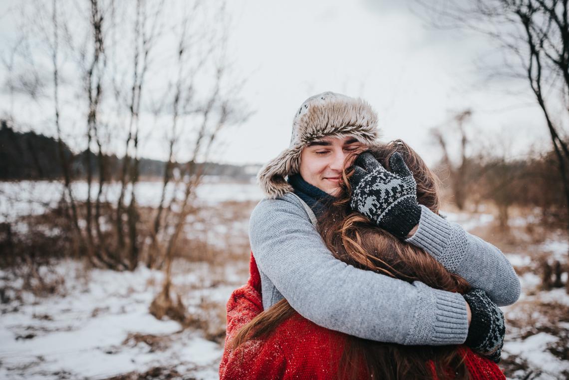 Zimowa sesja narzeczeńska Doroty i Macieja 26