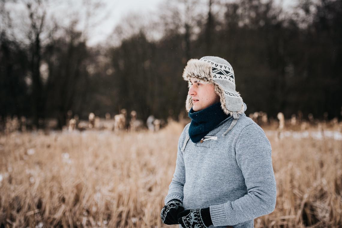 Zimowa sesja narzeczeńska Doroty i Macieja 30