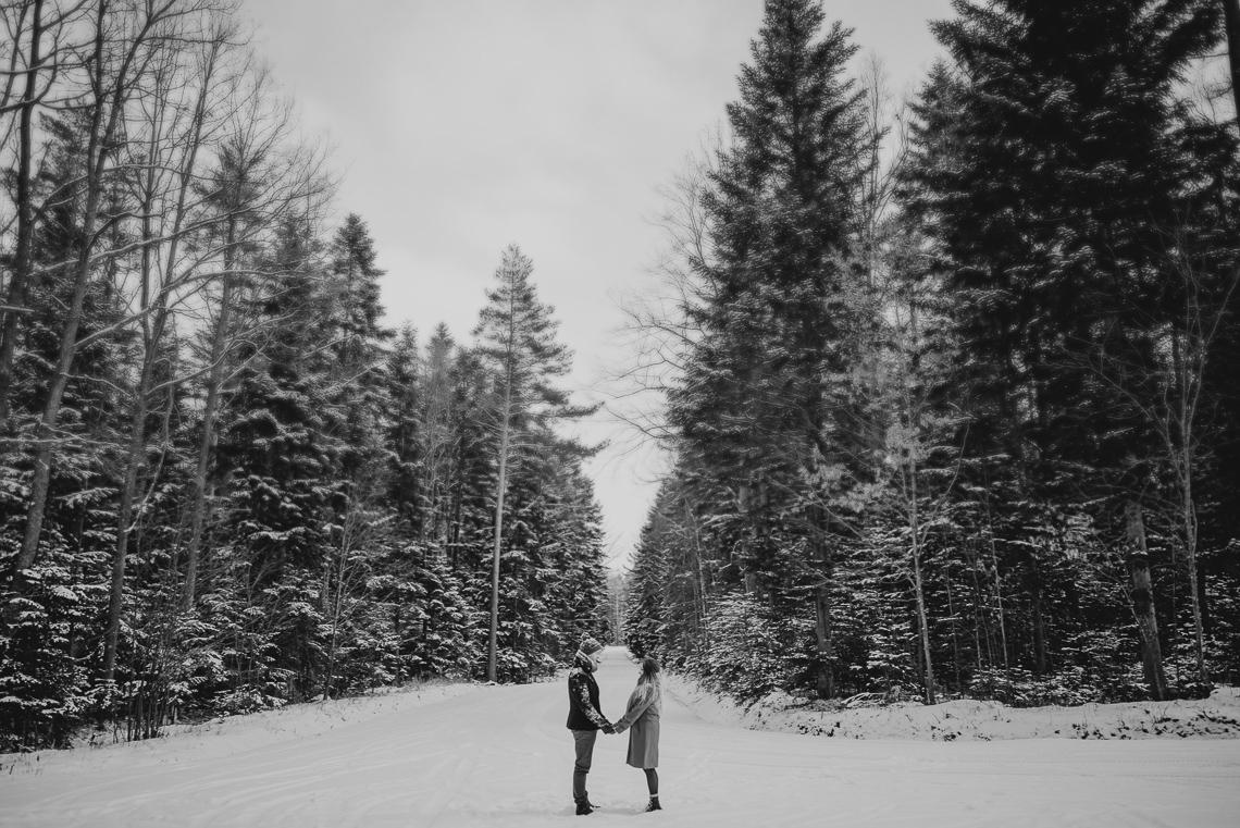 Zimowa sesja narzeczeńska Elizy i Dominika 18