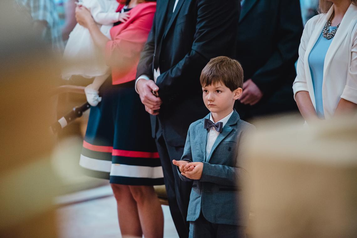 zdjęcia w kościele chrzest