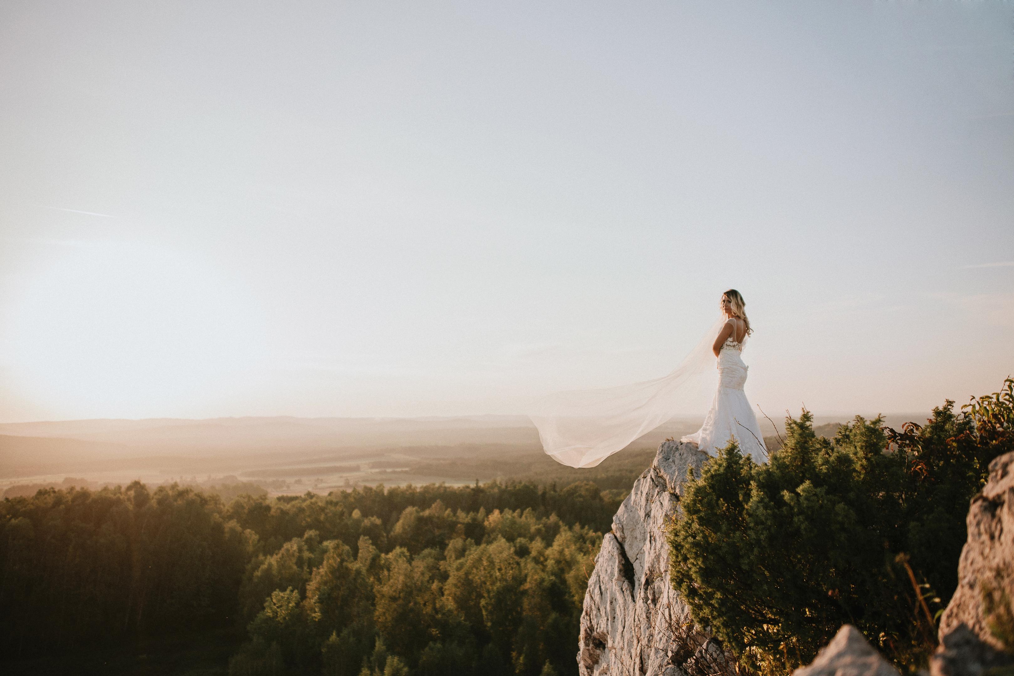 Jak wybrać suknię ślubną i dodatki do niej. 2