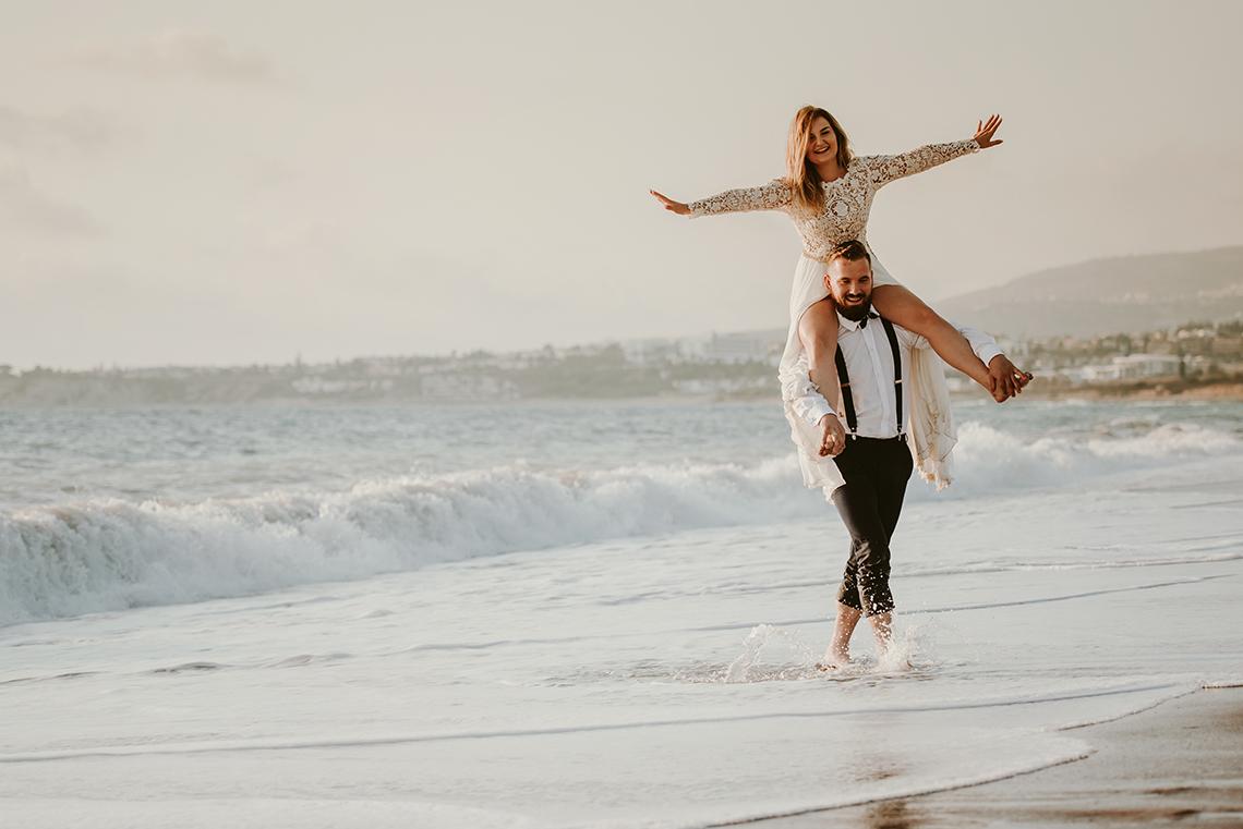 Plenerowa sesja ślubna na Cyprze o wschodzie i zachodzie słońca - w roli głównej Luiza i Bartek 48